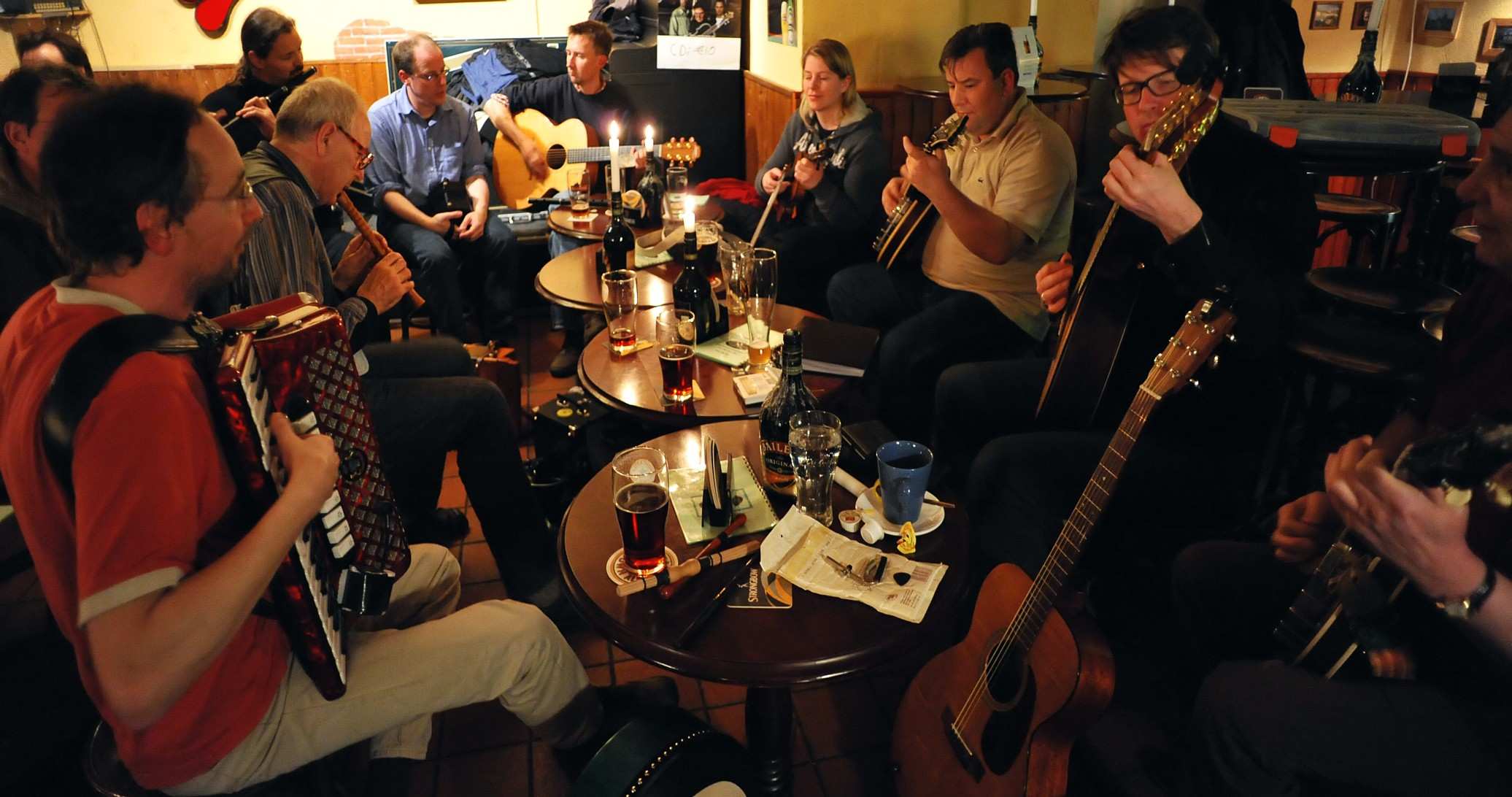 Irish Singers for hire, traditional Irish live bands and pub